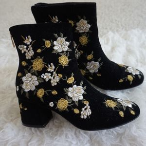 Forever 21 Shoes - forever 21 zip up suede ankle boots with flowers